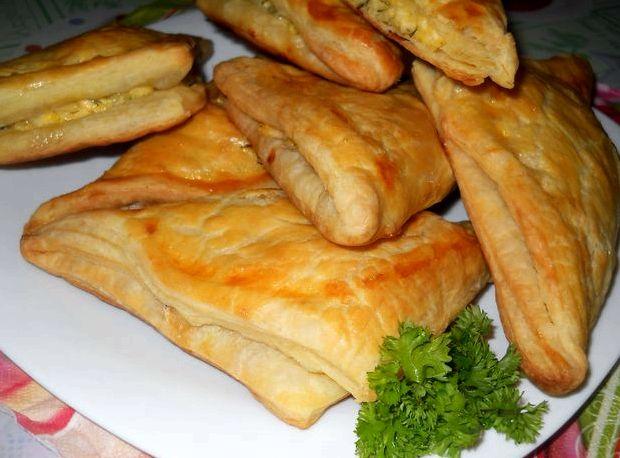 Хачапури из слоеного теста с сыром по аджарски рецепт с фото