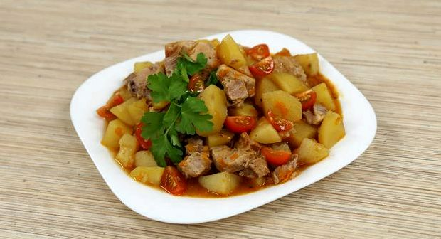 Картошка тушеная с мясом в скороварке рецепт с фото