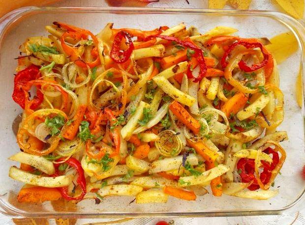 Картошка в духовке с овощами рецепт с фото