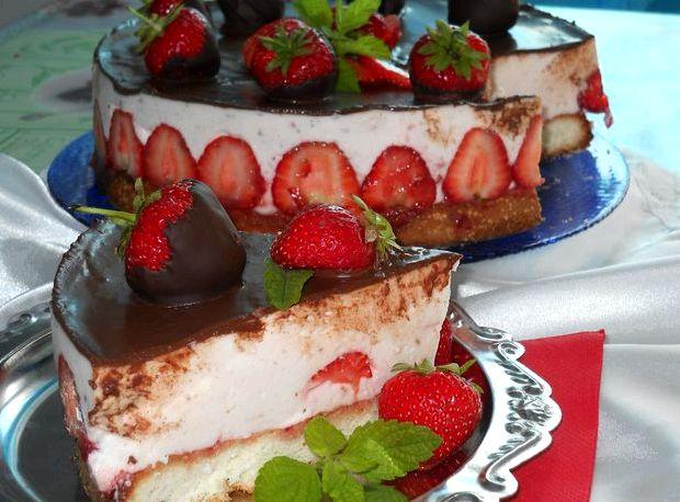 Клубничный торт со сметанным кремом рецепт с фото