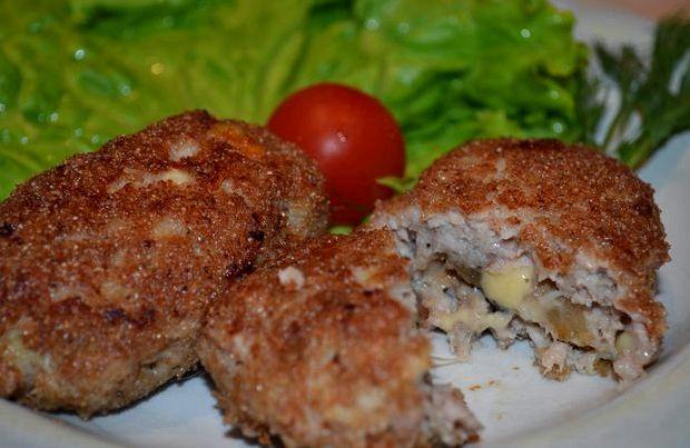 Котлеты с грибами и сыром в духовке рецепт с фото