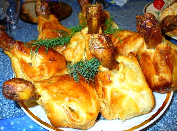 Куриная голень в слоёном тесте рецепт с фото