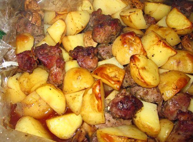 Мясо в рукаве в духовке рецепт с картошкой