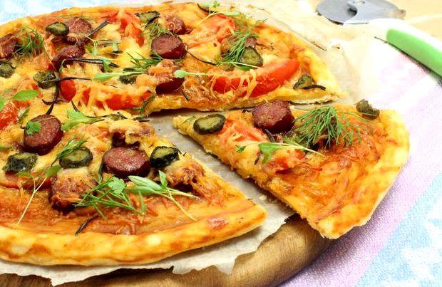 Пицца из бездрожжевого слоеного теста в духовке рецепт с фото