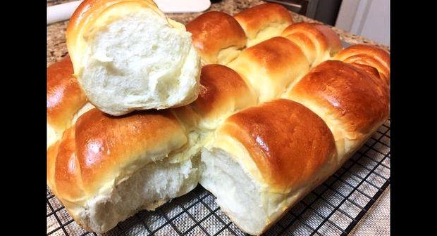 Простой рецепт булочек в духовке на сухих дрожжах
