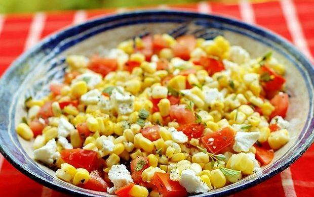 prostoj-salat-iz-konservirovannoj-kukuruzy-recept_1