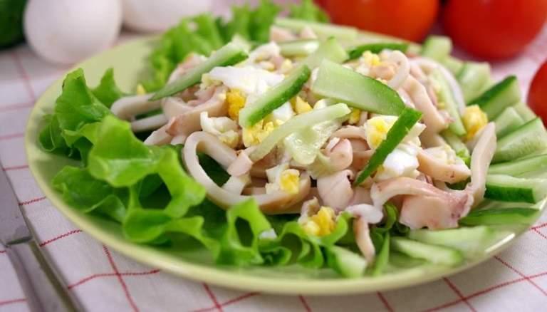 Салат из кальмаров с овощами без майонеза