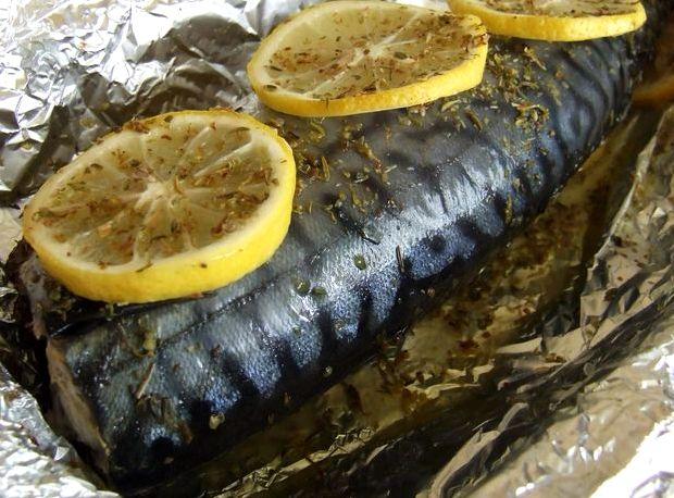 Скумбрия запеченная в духовке в фольге рецепт с фото с лимоном