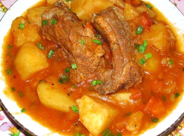 Свиные ребрышки тушеные с картошкой рецепт с фото