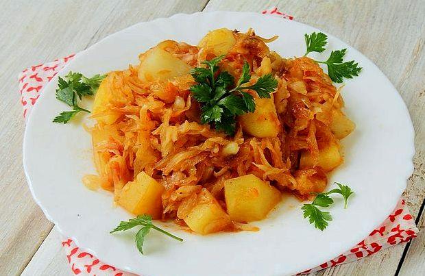 Тушеная капуста с мясом и картошкой рецепт с фото пошагово