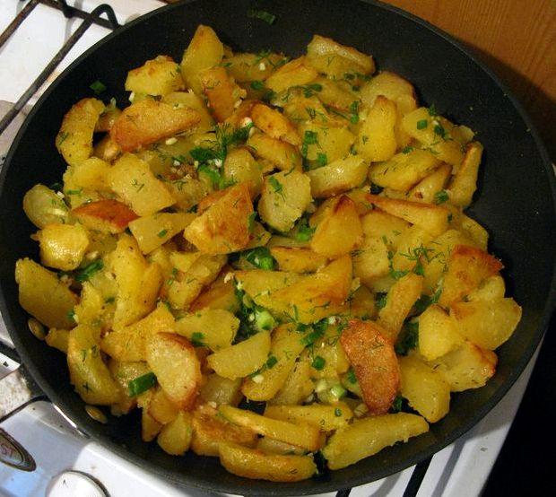 Тушёная картошка с курицей в кастрюле рецепт