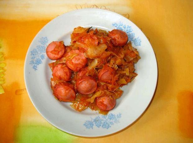 Тушёная квашеная капуста с сосиской рецепт с фото