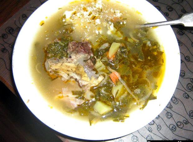 Зеленый борщ с курицей с щавелем и яйцом рецепт с фото