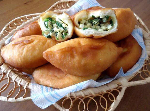 Жареные пирожки с луком и яйцом рецепт с фото пошагово